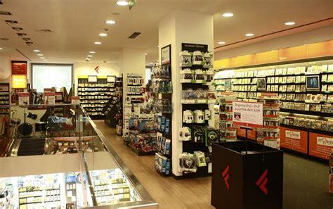 negozio ladari negozi ladari a aperti la domenica negozi di