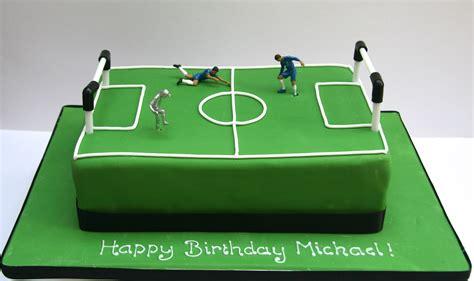 football cake etoile bakery