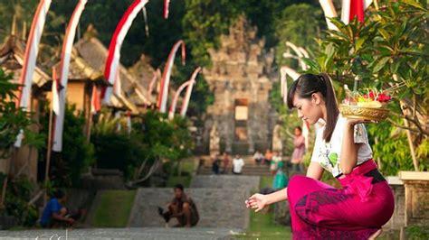 Gelas Puja Sembhayang Dewa Budha Fo suksma tidak berarti terima kasih pada pemuspaan kramaning sembah mantra hindu bali
