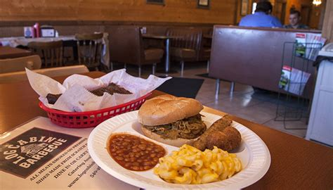 Log Cabin Barbecue Elkton Va by 18 Virginia Bbq Joints You Re Going To Virginia S