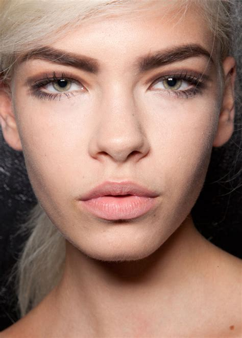 trend darker brows spring trend report bold natural brows beauty rsvp