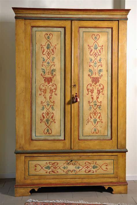 armadio barocco armadio decorato a 2 ante e un cassetto in stile barocco