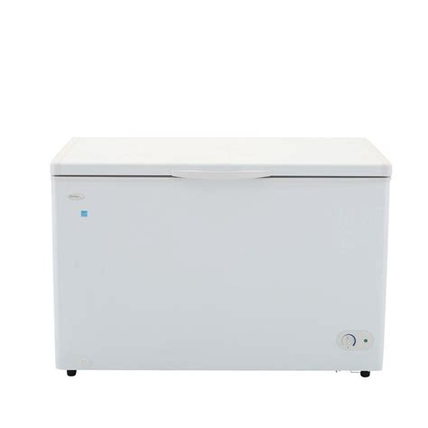 frigidaire 21 6 cu ft chest freezer in white fffc22m6qw