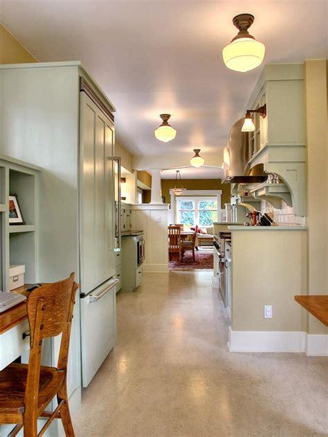 cottage kitchens hgtv 12 cozy cottage kitchens hgtv