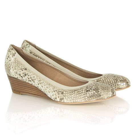 foria beige reptile low wedge shoes