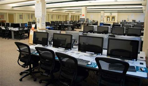 design lab hours computer labs