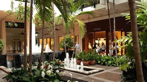 stores      bal harbour shops haute living