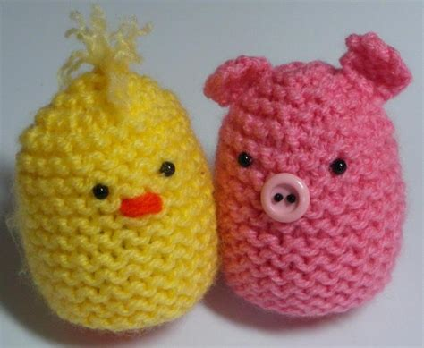knitted egg cosy pattern 11 knit egg cozies for easter decor