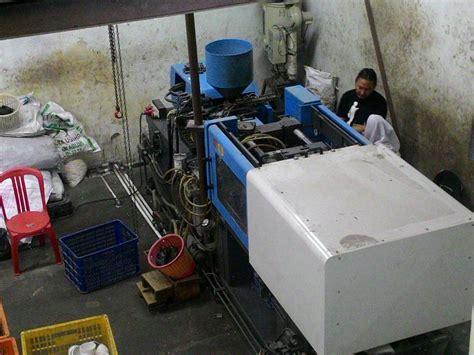 Mesin Molding Plastik terima jasa injek plastik molding