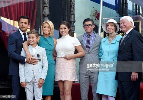 spotted kelly ripa and kids drink up moms babies celebrity kelly ripa daughter lola stock photos and pictures getty
