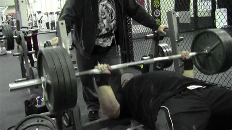20 rep bench press maxresdefault jpg