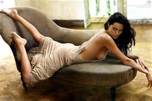 Download Love Is Blind Eve Fashion 2011 Angelina Jolie Wallpapers Angelina