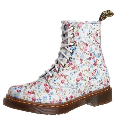 dottor martens a fiori scarpe dr martens shoes stylosophy