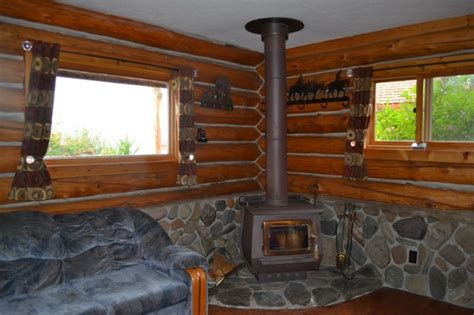 Gardiner Montana Cabin Rentals by Yellowstone Cabins Cabin Rentals Hell S A Roarin Outfitters Gardiner Mt