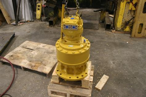 swing gear excavator caterpillar swing drives and motors heavy equipment parts