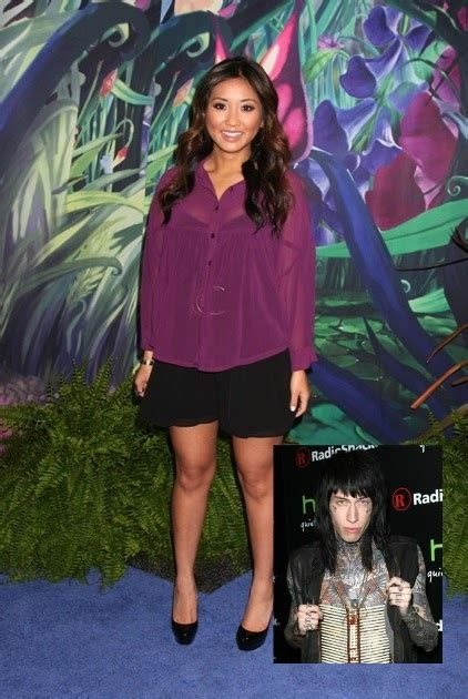 celebrity  brenda song pregnant trace cyrus