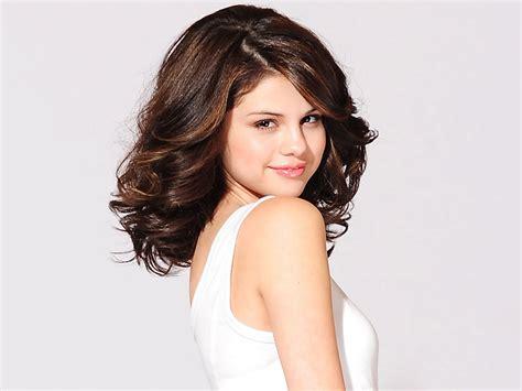 Celana Gemes Pic beautiful international singer selena gomez pictures magazine