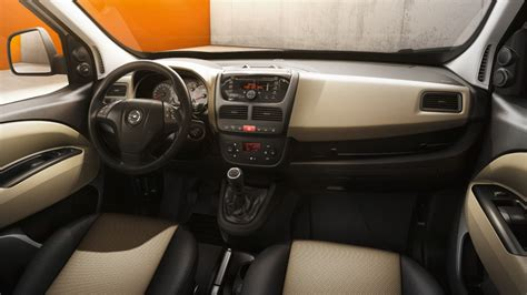interior layout design of passenger vehicles with ramsis opel combo tour hlavn 233 prvky dizajn exteri 233 ru a