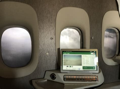 emirates virtual windows review emirates new first class suite on b777 300 er