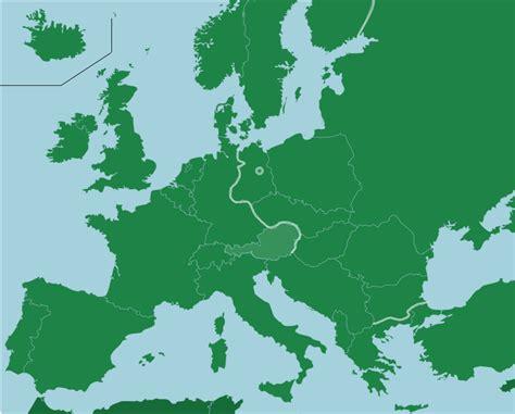 cold war europe   map quiz game