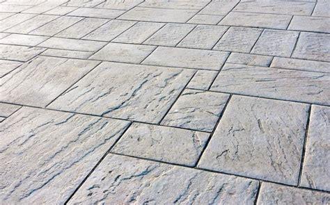 piastrelle per esterno prezzi piastrelle in cemento per esterno pavimenti esterno