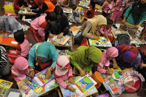 Pendidikan Anak Usia Dini Saat Ini Edisi 13 George Morisson ribuan anak usia dini ikuti lomba mewarnai antara news