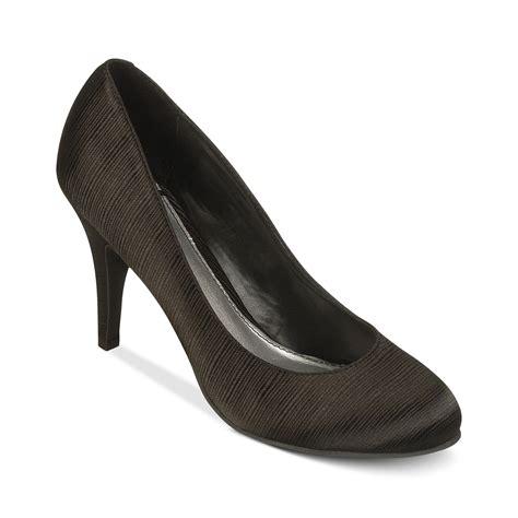 fergie shoes fergie fergalicious shoes utopia pumps in black lyst