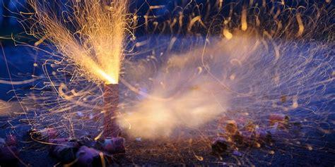 wann ist silvester silvester feuerwerk ab wann darf eigentlich b 246 llern