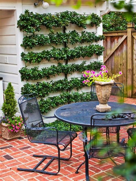 Creative Backyard Ideas On A Budget by Cheap Backyard Ideas Decorate Your Garden In Budget 1