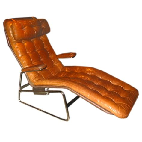 leather tufted chaise tufted leather chaise at 1stdibs