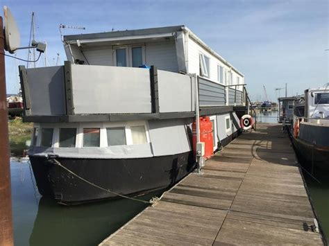 house boats to rent uk house boats in united kingdom buy sell and rent in the uk