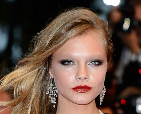 uk celebrities on facebook 11 celebrities without their eyebrows because internet