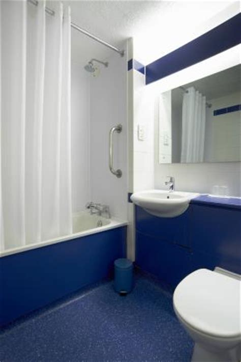 bathroom kettering bathroom with bath picture of travelodge kettering