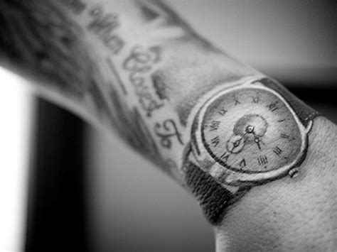 watch tattoo on wrist 29 awesome clock wrist tattoos