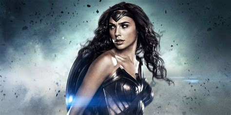 gal gadot new film wonder woman poster revealed at licensing expo 2016