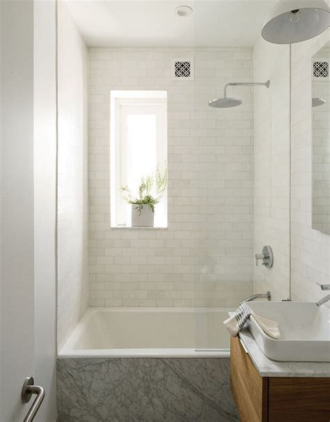 bathroom tiles brooklyn 25 best ideas about small white bathrooms on pinterest