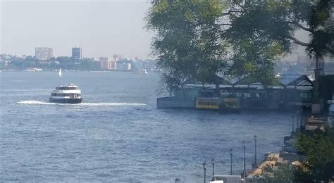 boat battery park ferry boat crashes at vesey street slip batterypark tv