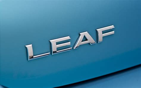 nissan leaf logo 2011 nissan leaf logo photo 3