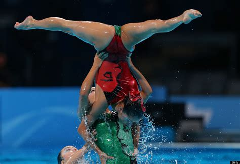 8 amazing pictures of synchronised swimming from the fina