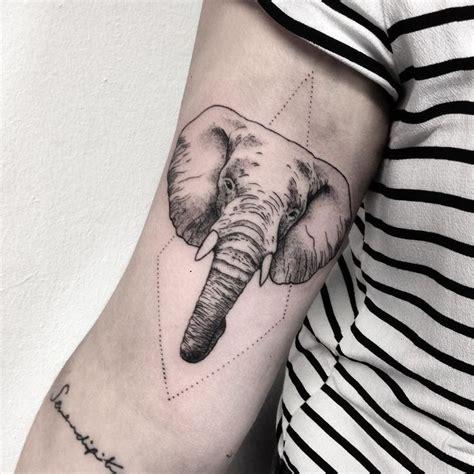 le 25 migliori idee su tatuaggi elefante su pinterest