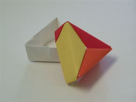 Origami Triangular Box - origami boxes