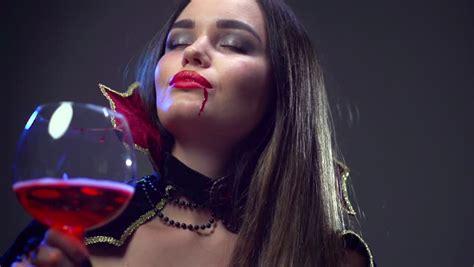 wallpaper vire girl woman female vire makeup fashion videos makeup vidalondon