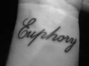 famous tatuaze na nadgarstku celebixy picture