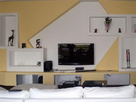 parete con mensole parete cartongesso mensole idee creative di interni e mobili