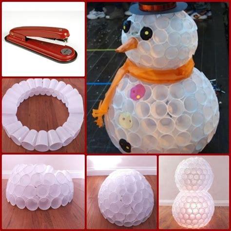 apreciamos un rbol de navidad hecho de nieve en su inferior con adornos navide 241 os hechos a mano taringa