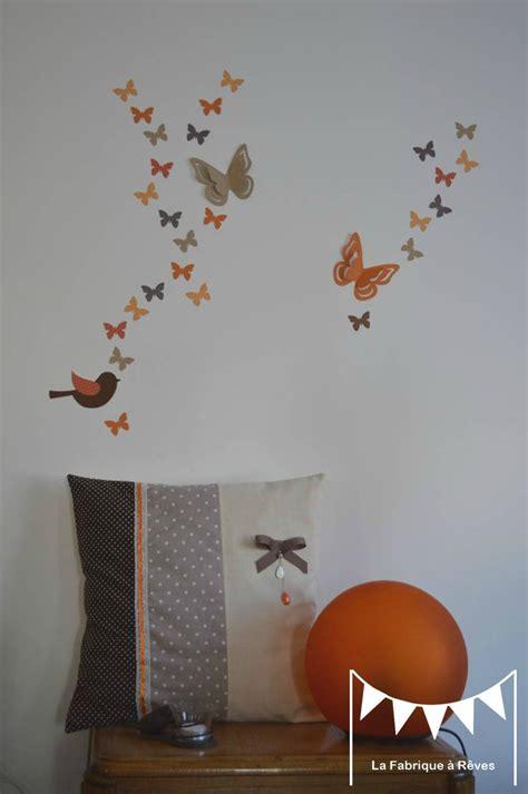 décoration orange chambre bebe