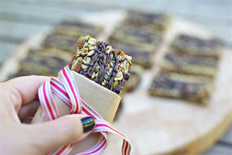 Wrap Addicts Go Nuts by 7 No Bake Bars For The Lunch Box S Grapevine