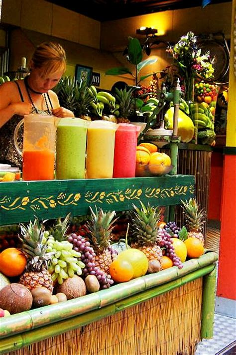 j fruit shop juice from fresh fruits everywhere in barcelona spain