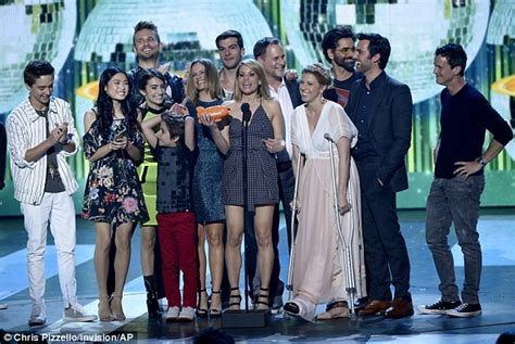 fashion house tv show the kids choice awards kicks off in spectacular fashion daily mail online
