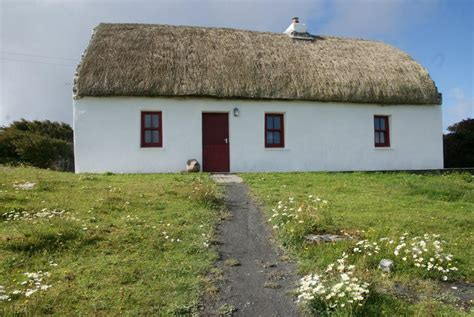 arran cottage aran islands thatched cottage visit doolin
